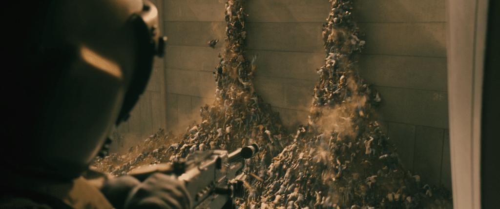 Escena de la película Guerra Mundial Z, zombies escalando el muro de Jerusalén